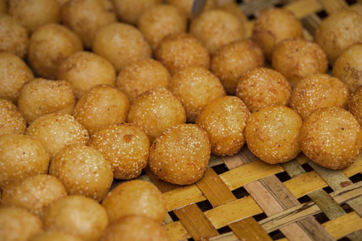 Fried cakes, fried bun - No. 6 Nguyen Truong To, Ba Dinh District