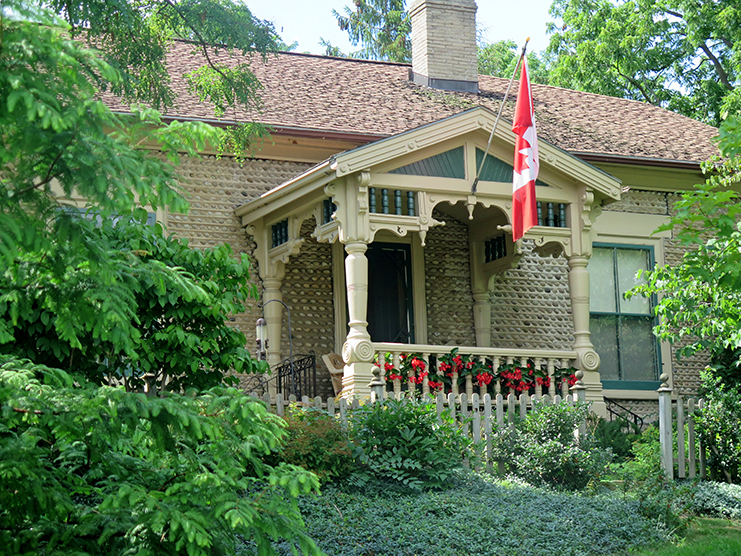"""Bosworth House in Paris, Ont. The distinctive """"chipped gable"""" was popular in the decorative Queen Ann style.   After arriving in Canada, the Bell family first stayed here with their friend Reverend Henderson while awaiting the purchase and renovation of their house on Tutela Heights in Brantford."""