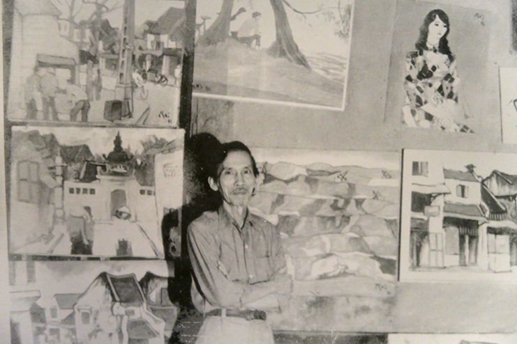 Bui Xuan Phai preparing for his first and only solo exhibition in 1984.