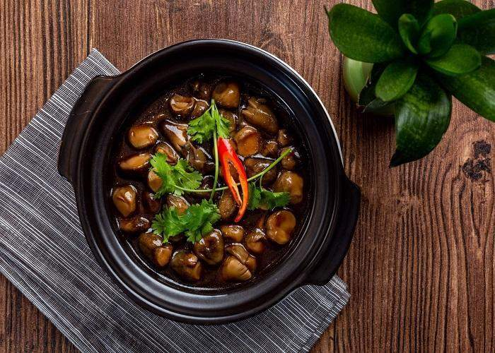 Straw mushroom braised with pepper - Hai Thuy Catering